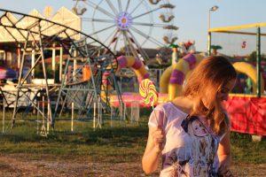 incomefoundry girl lollipop